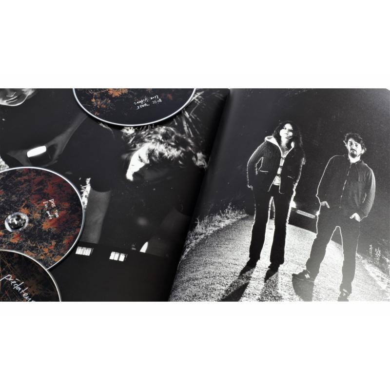 Les Discrets - Prédateurs Artbook 2CD+DVD-ROM